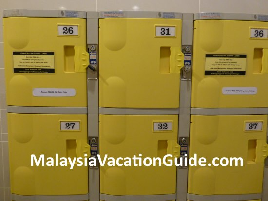 Daytime lockers are available for rent in 1 Utama.