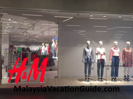 H&M outlet at IPC Shopping Mall