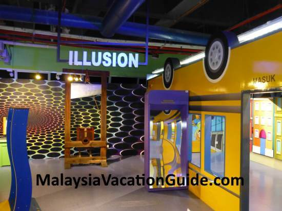 Learn how illusion work and try them yourself.