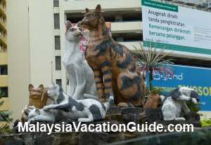 Statues of cats in Kuching