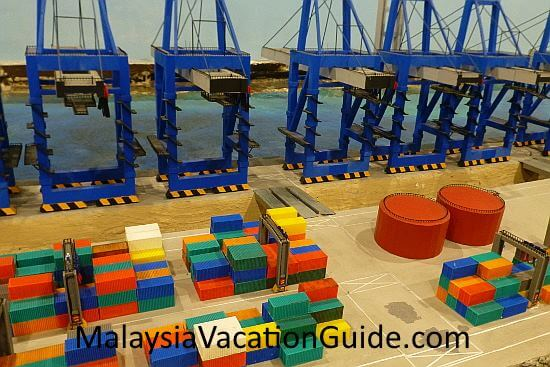MinNature Malaysia Port and Containers
