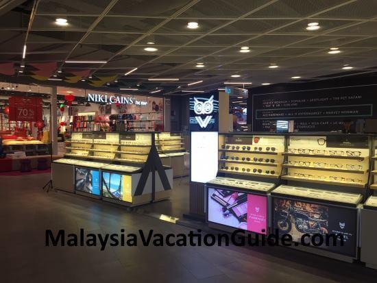 OWL and Niki Cains at IPC Shopping Centre