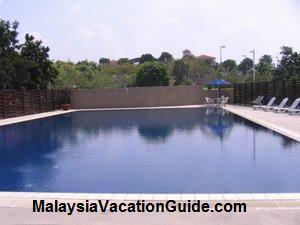 Putrajaya Lake Club Swimming Pool