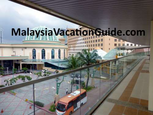 Elevated walkway from Sunway Lagoon Station to Sunway Pyramid