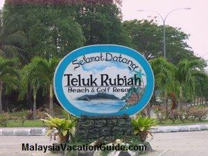 http://www.malaysiavacationguide.com/images/telukrubiahresort.jpg