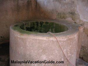 Pulau Duyung Old Well