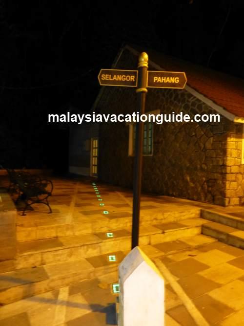 Pahang and Selangor demarkation line at Fraser's Hill