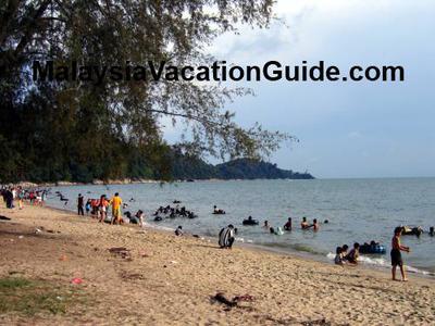 Teluk Batik Beach During The Weekends
