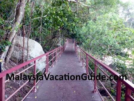 Raised platform walkway at Teluk Chempedak.